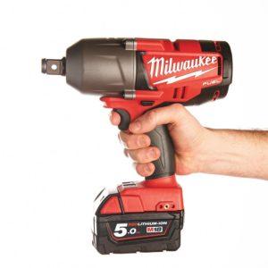 Udarnyj-akkumulyatornyj-gajkovert-Milwaukee-M18-300x300