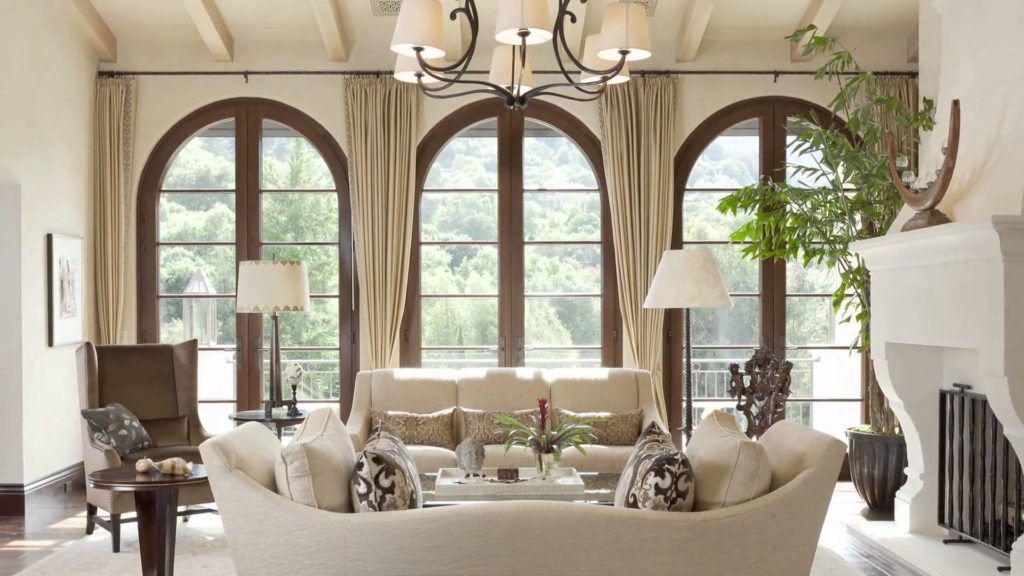 Окна и шторы в итальянском стиле