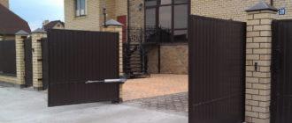 Что лучше откатные или распашные ворота
